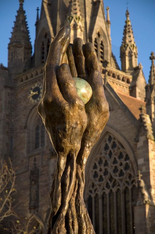 The Tree of Life - St. Martin´s Church, Birmingham, England - Installations and Commissions - Lorenzo Quinn