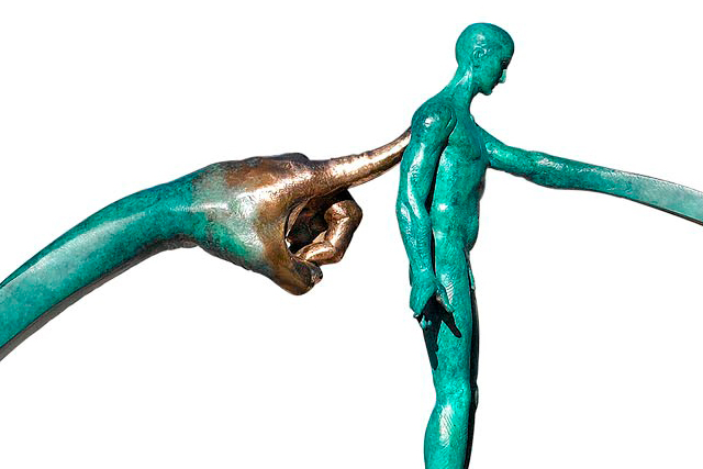 What Goes Around Comes Around, Bronze - Sculptures - Lorenzo Quinn
