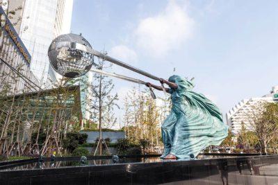 La Fuerza de la Naturaleza II - Shanghai, China - Septiembre 2018 - Instalaciones y Encargos - Lorenzo Quinn