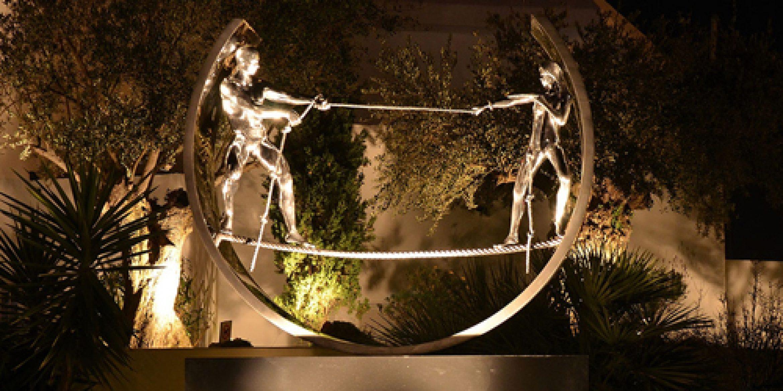 Monumental - Lio Restaurant - Fairs and Exhibitions - Lorenzo-Quinn