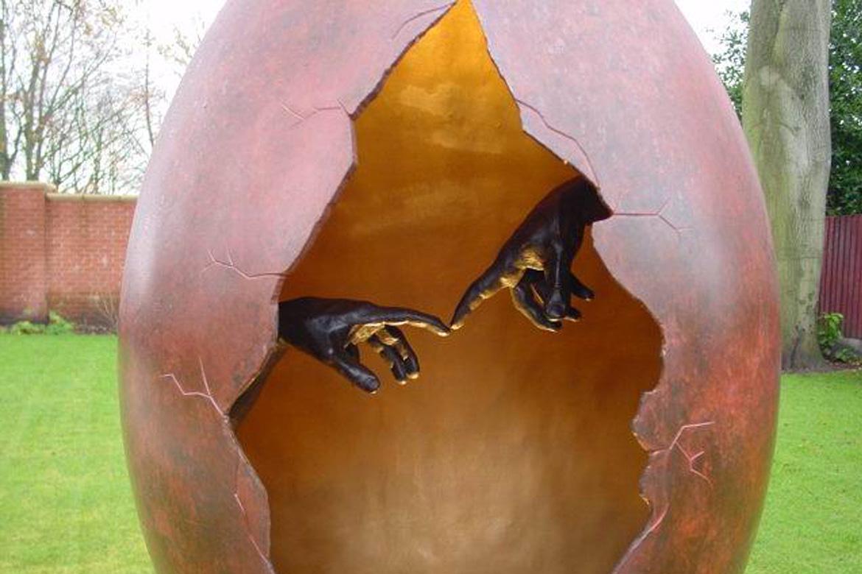 La Creación, Bronce, Privado - Instalaciones - Lorenzo Quinn