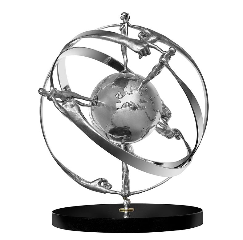 Es un Pequeño Mundo - Esculturas - Lorenzo Quinn