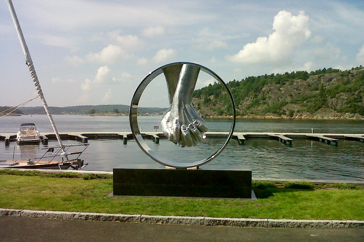 Love Aluminium, Norway - Installations and Commissions - Lorenzo Quinn
