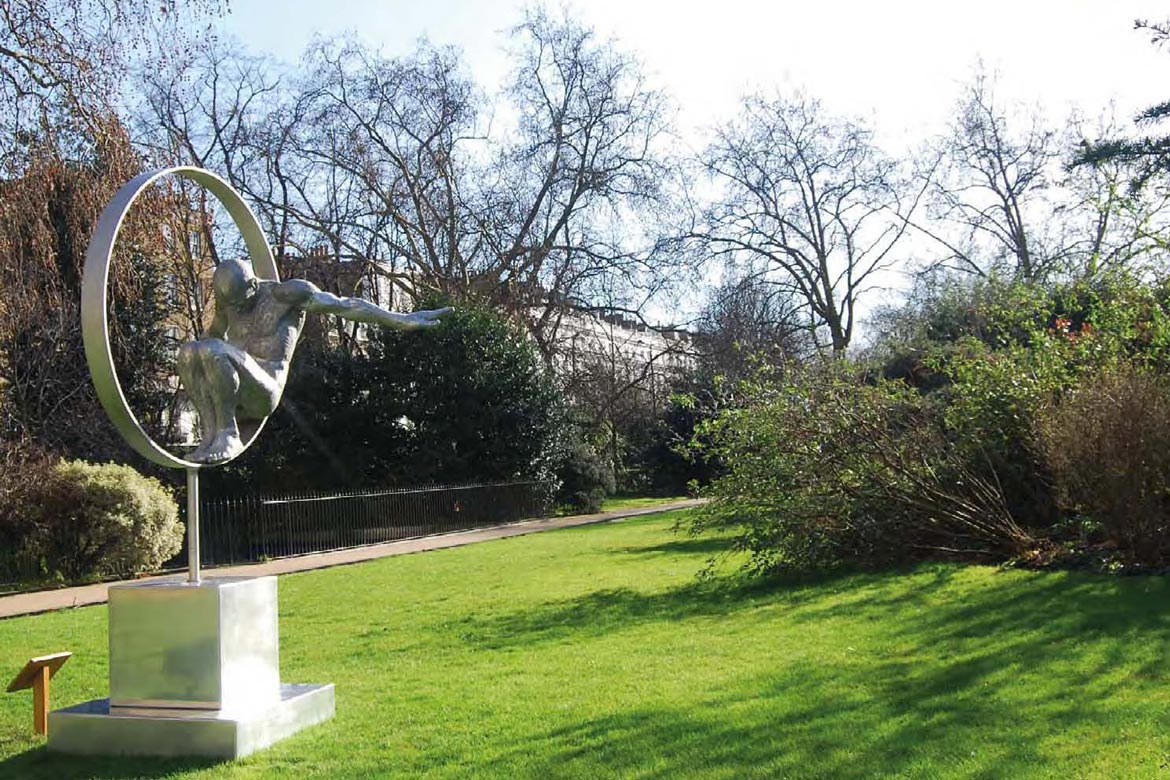 Volare, Aluminium - Cadogan Place, England - Installations and Commissions - Lorenzo Quinn