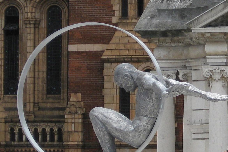 Volare, Aluminio - Londres, Inglaterra - Instalaciones y Encargos - Lorenzo Quinn