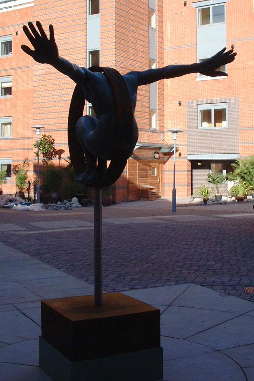 Volare, Bronce - Birmingham, Inglaterra - Instalaciones y Encargos - Lorenzo-Quinn