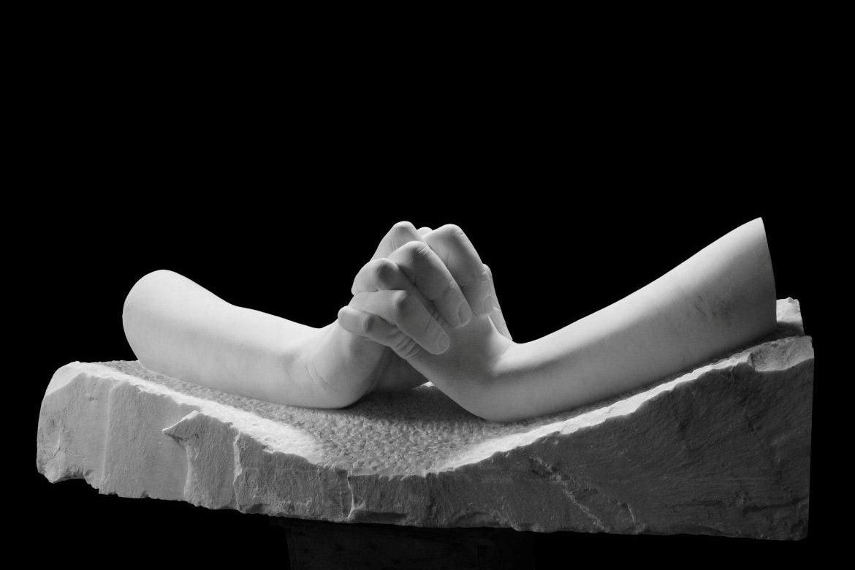 During Love, Carrara Marble - Sculptures - Lorenzo Quinn