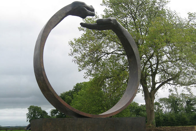 Give and Take III, Bronze - Ireland - Installations and Commissions - Lorenzo Quinn