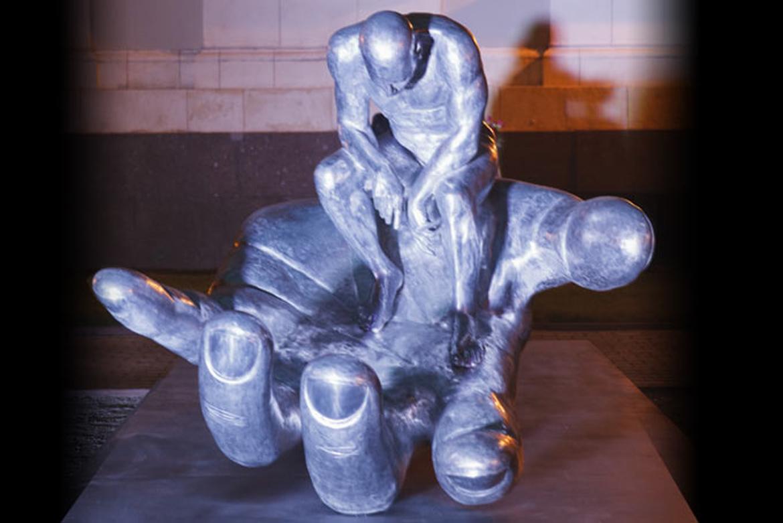 La Mano de Dios , Aluminio- Rusia - Instalaciones y Encargos - Lorenzo Quinn