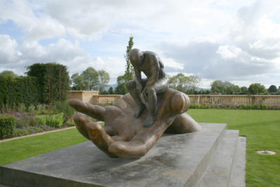 Hand of God - Ireland - Installations and Commissions - Lorenzo Quinn