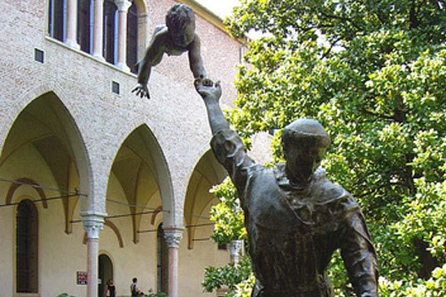 St. Antonio - Italia - Instalaciones y Encargos - Lorenzo Quinn
