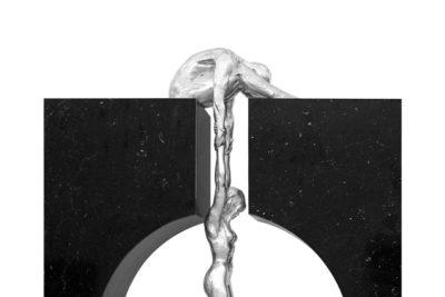 Gravedad, Aluminio y Mármol - Esculturas - Lorenzo Quinn