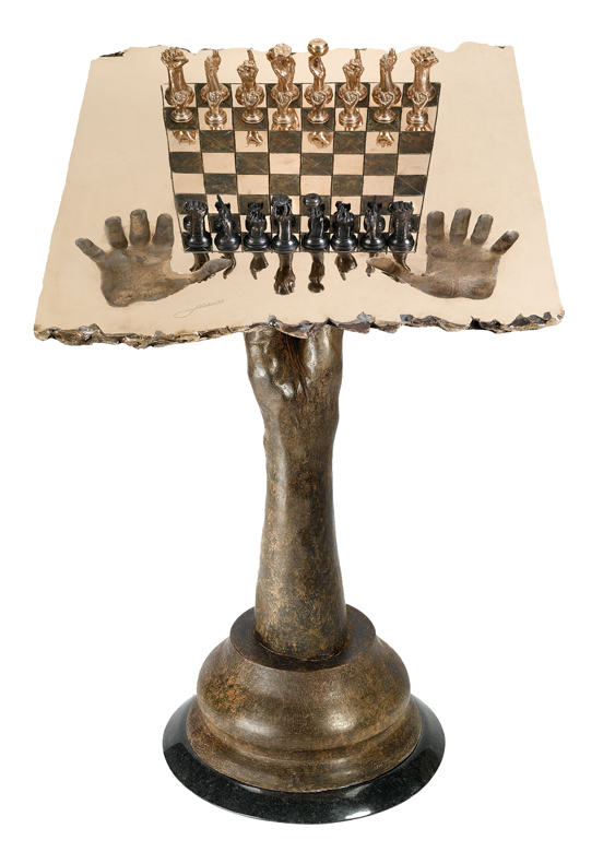 CHESS SET, QUEEN TABLE, BRONZE | Lorenzo Quinn