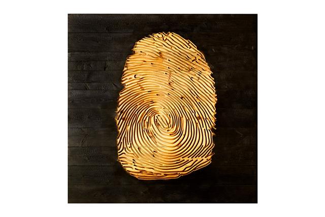 Macro Autorretrato, Wood - Esculturas - Lorenzo Quinn
