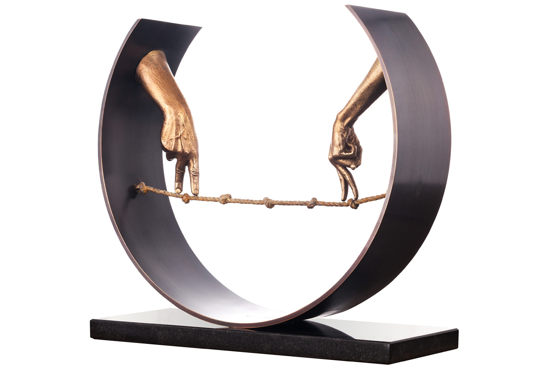 Tight Rope, Hands - Bronze - Sculptures - Lorenzo Quinn