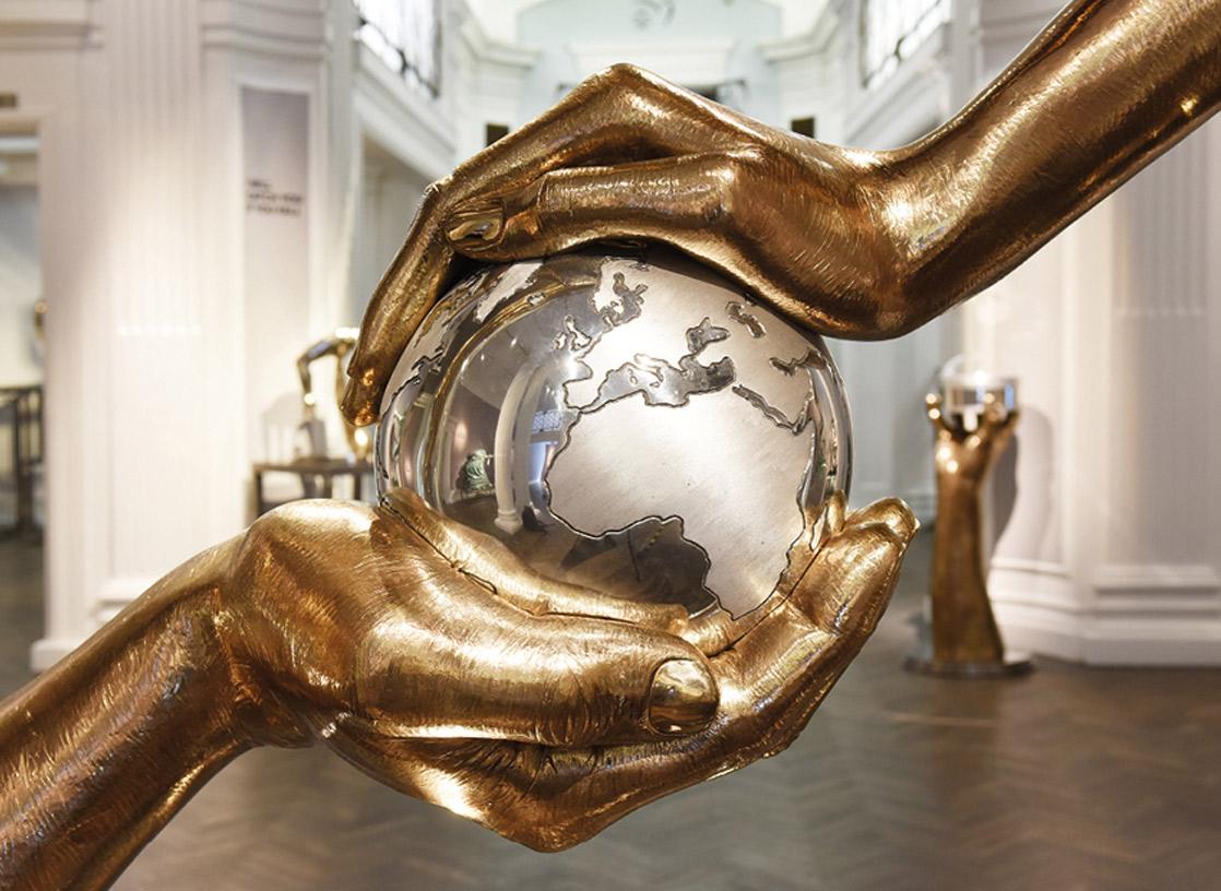 Manchester, Inglaterra - Castle Fine Art - Marzo 2020 - Eventos y Exhibiciones - Lorenzo Quinn