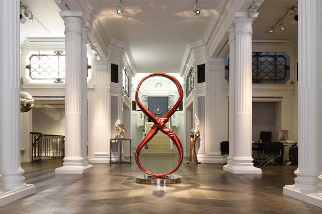 Love, Inglaterra - Junio a Sept 2021 - Eventos y Exhibiciones - Lorenzo Quinn